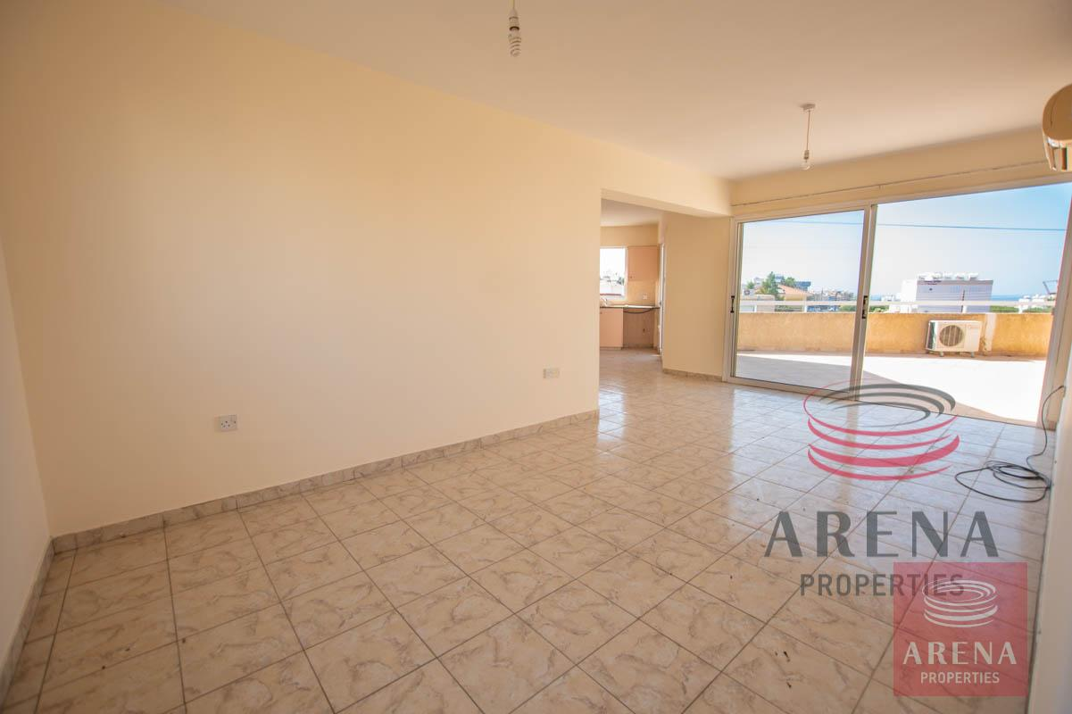 3 Bed apt for sale in Paralimni - living area