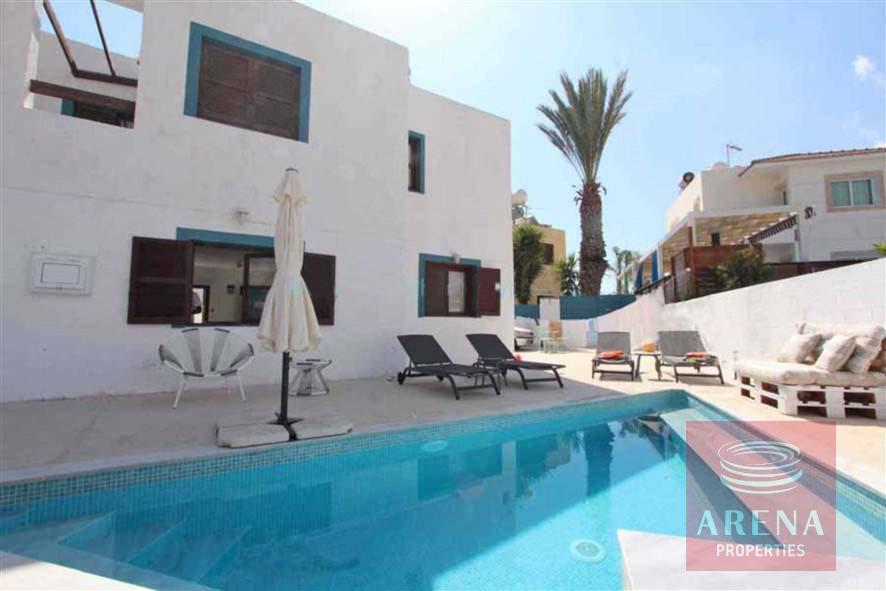 4 bed villa to rent in Ayia Triada