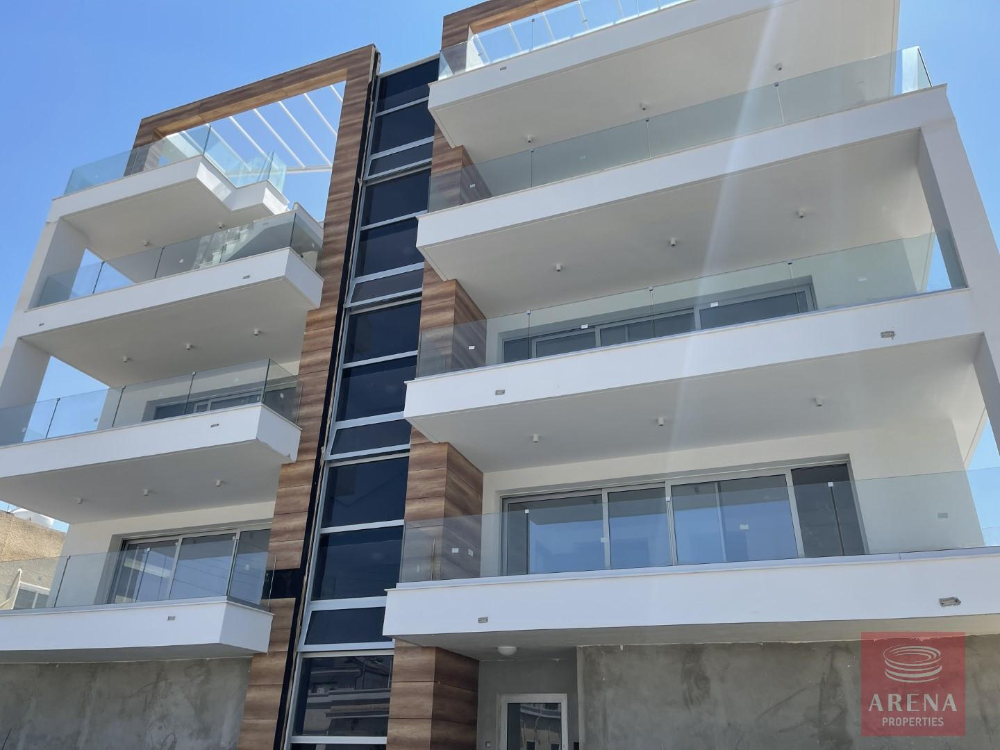 Luxury 2 bed apt in Larnaca for sale
