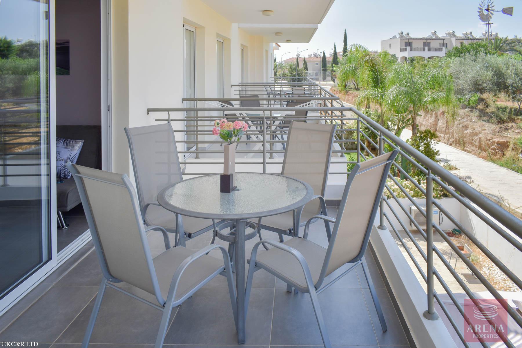 Beautiful Flat in Kapparis - veranda