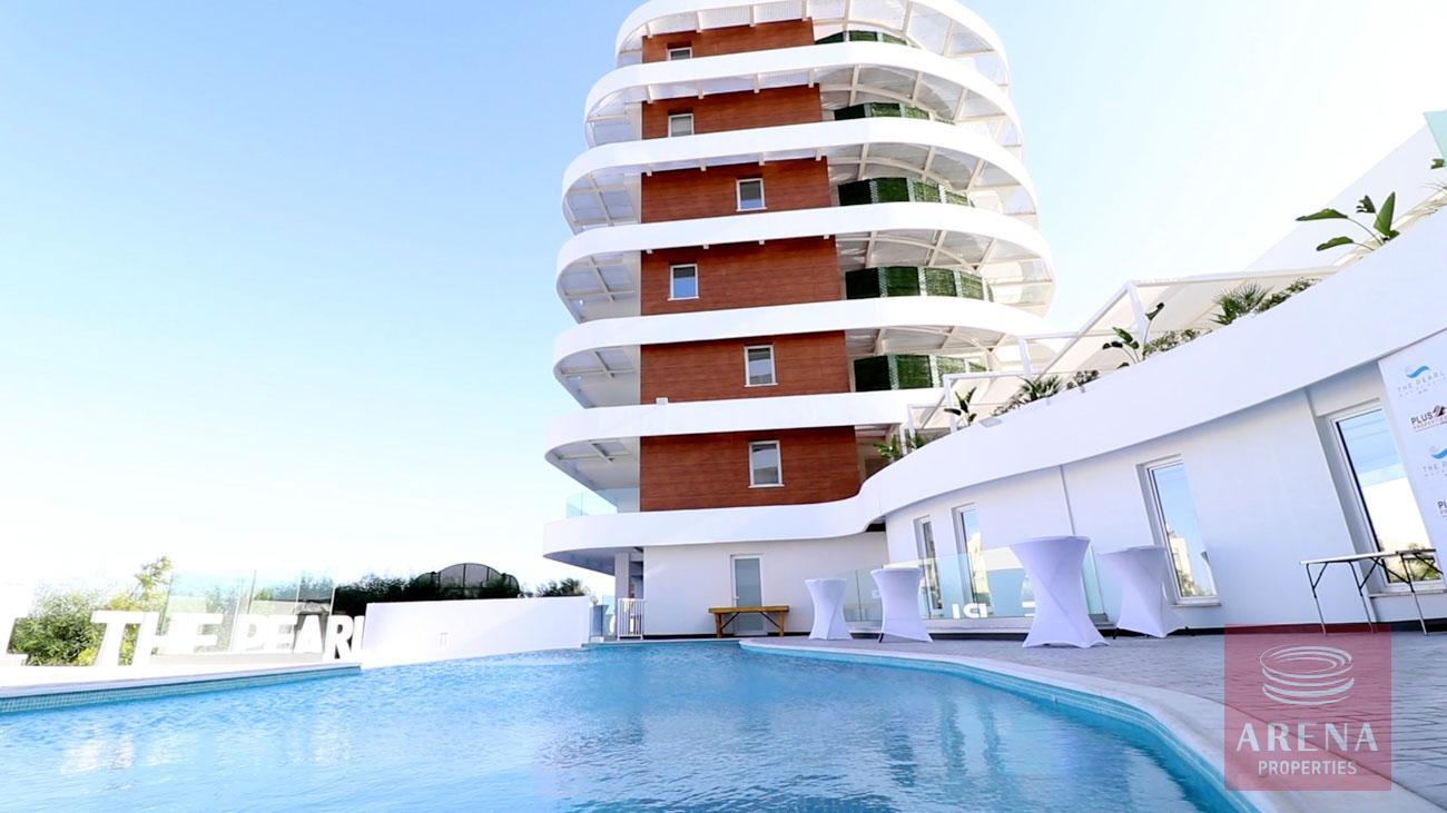Top floor apartment in Makenzie for sale
