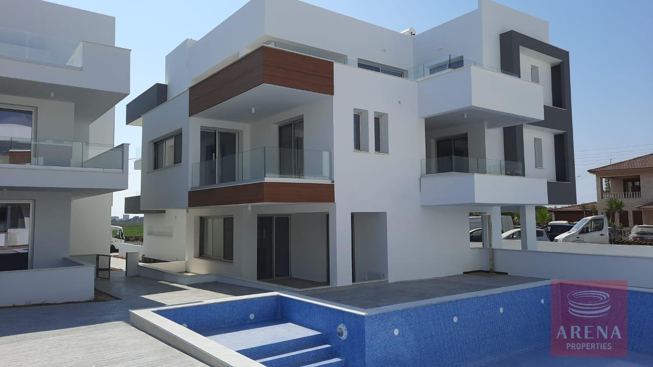 Apartment in Livadia for sale