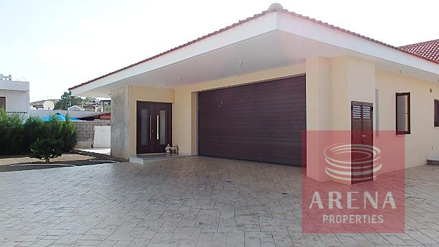 Bungalow to buy in Troulloi