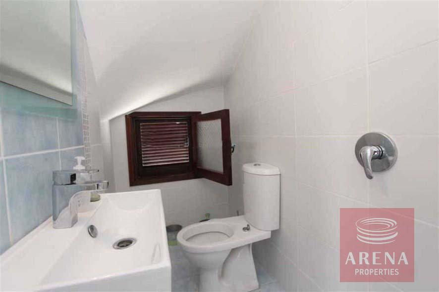 4 bed villa for rent in Ayia Triada - guest wc