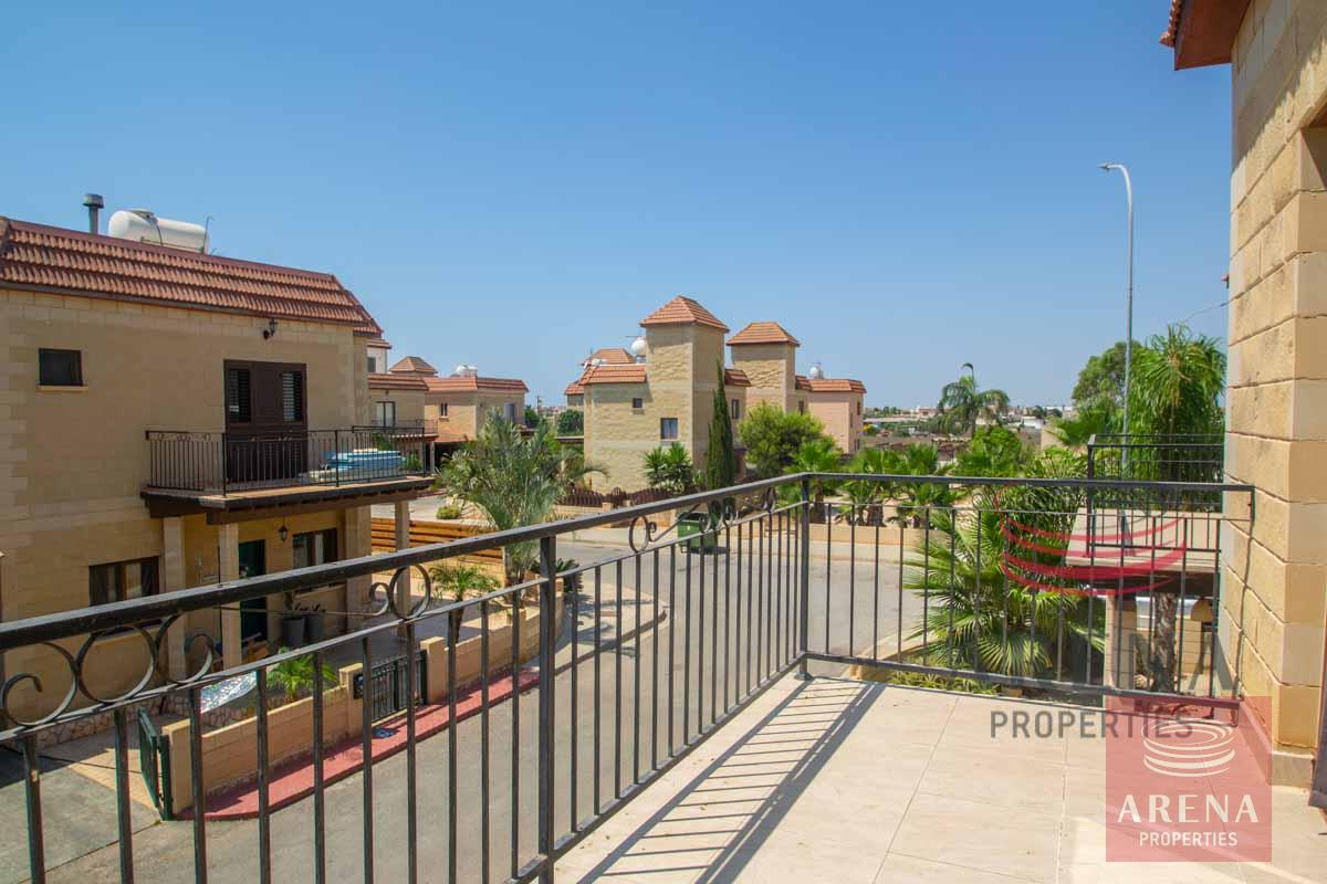 2 bed house in Liopetri - balcony