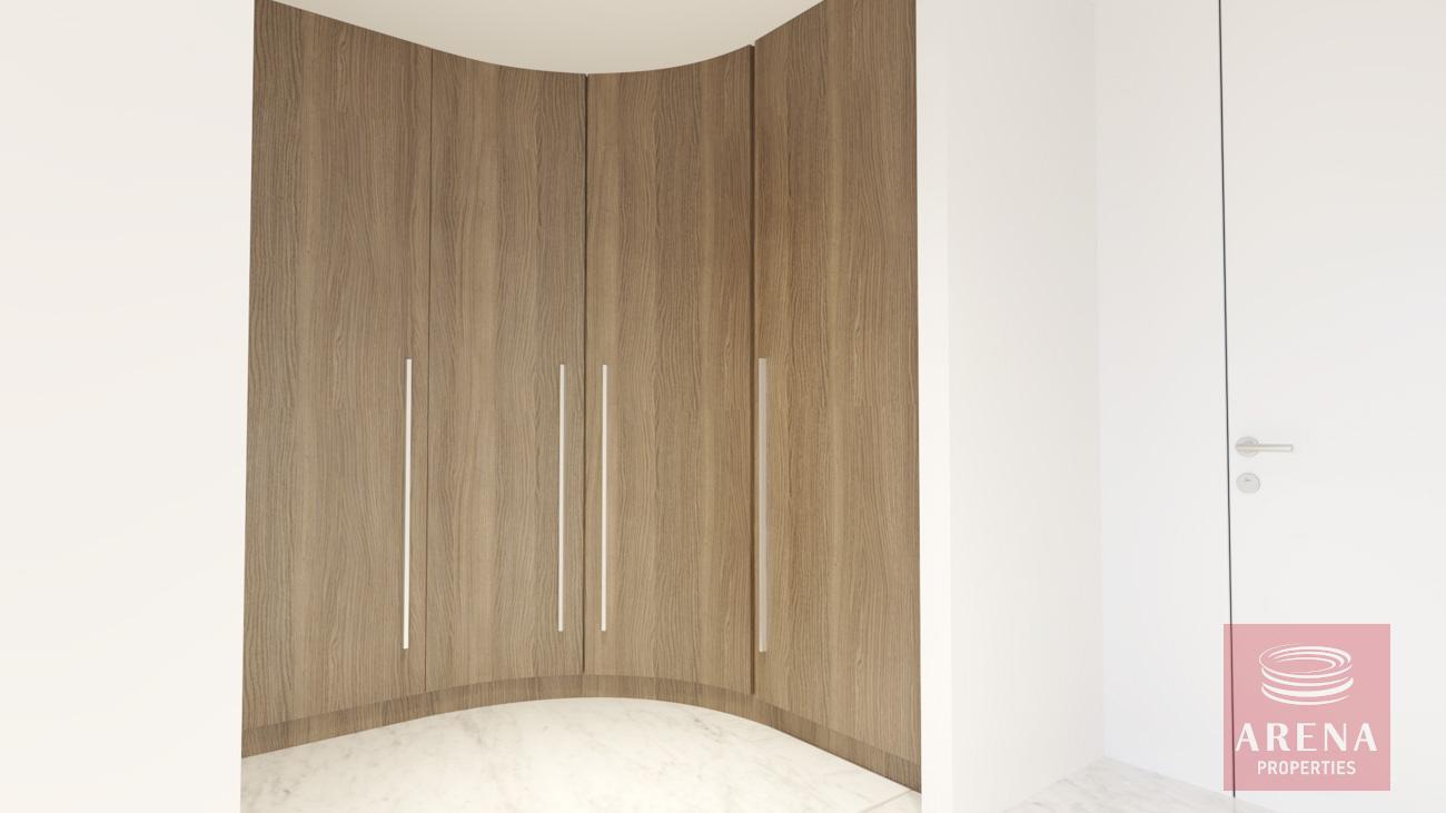 4-5 Bed villa in Protaras - walking wardrobe
