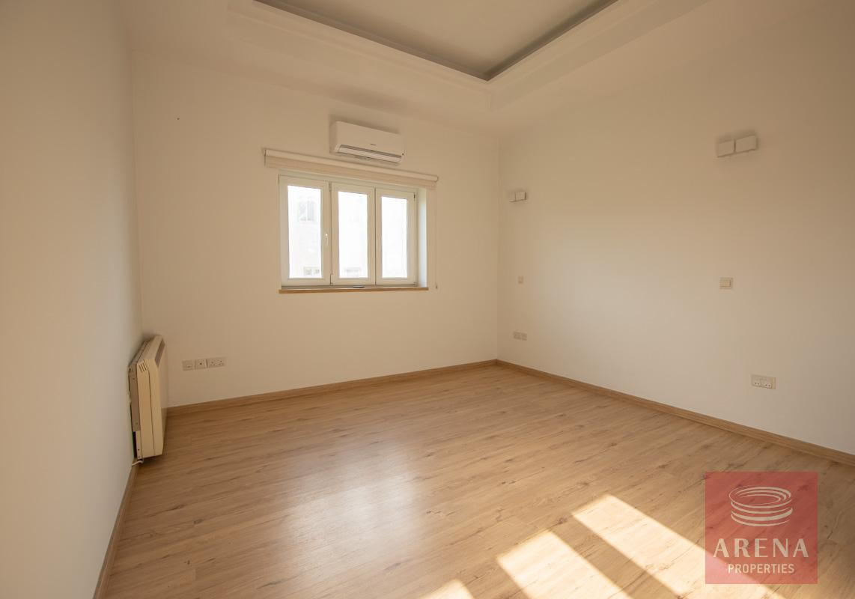 House to let in Kapparis - bedroom