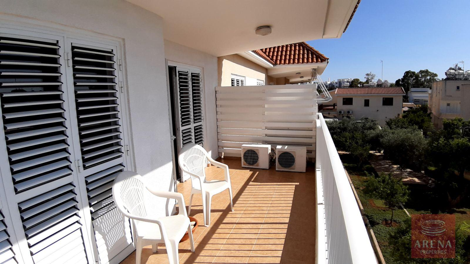 2 Bed Apt for rent in Paralimni - balcony