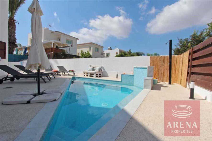 4 bed villa for rent in Ayia Triada - pool