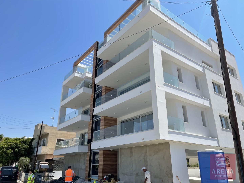 Luxury 2 bed apt in Larnacato buy