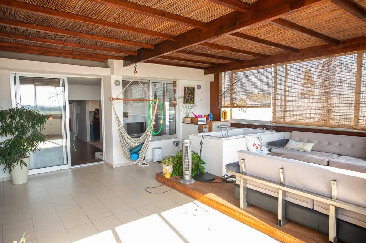 2 bed apartment in Pervolia - veranda