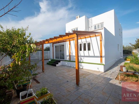 3-HOUSE-FOR-SALE-paralimni-4252