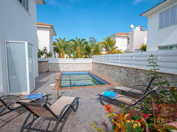 3-Villa-for-sale-Ayia-Triada-5614