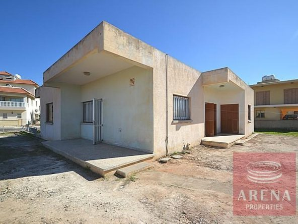 3-bungalow-for-sale-in-derynia-2807