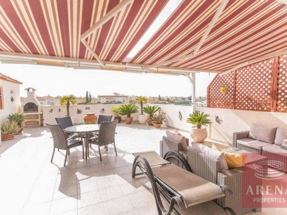 3-luxury-apartmetn-for-sale-in-paralimni-veranda