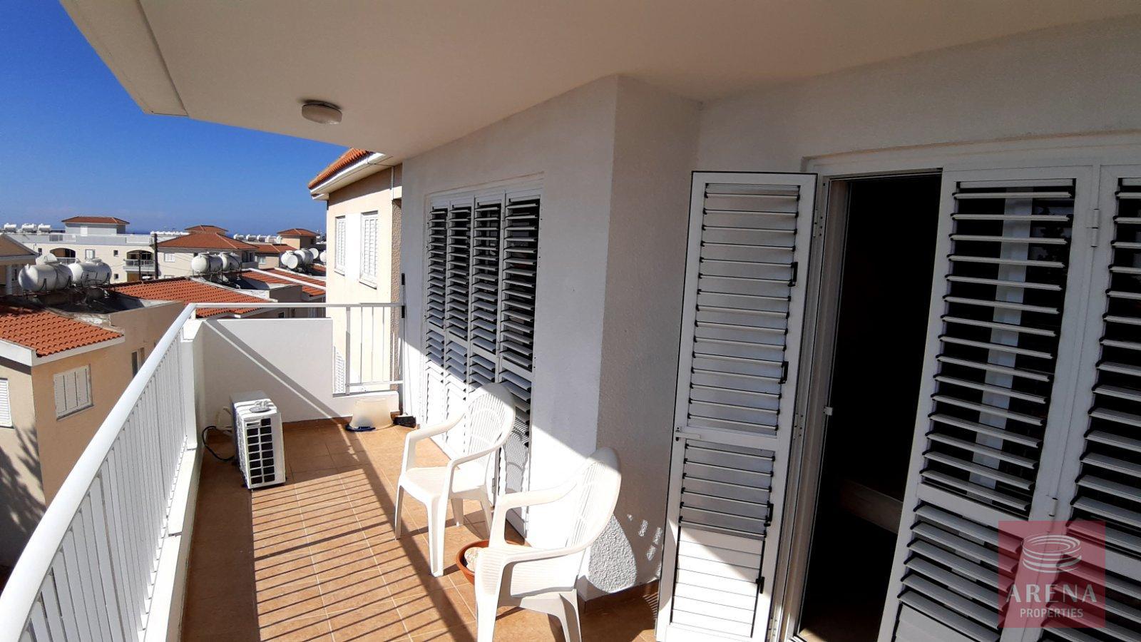 2 Bed Apt for rent in Paralimni - veranda