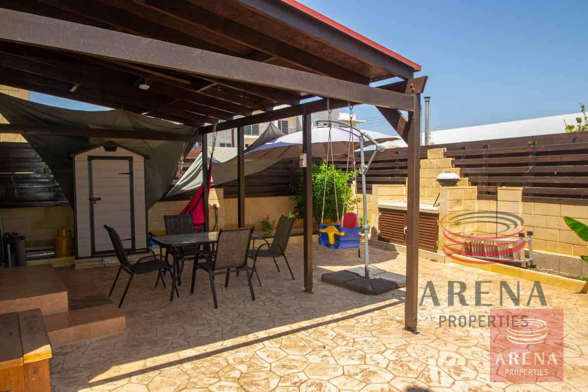 2 bed house in Liopetri back yard