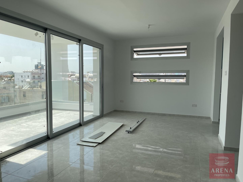 Luxury 2 bed apt in Larnaca - living area