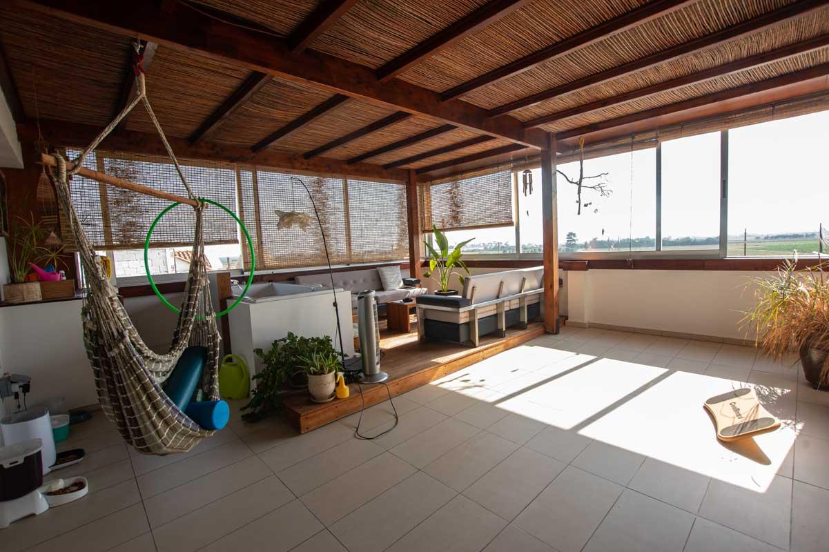 2 bed apartment in Pervolia for sale - veranda
