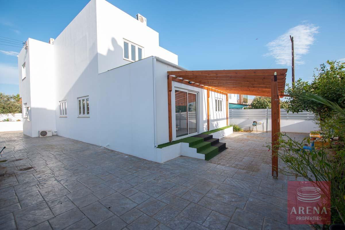 4 Bed House for rent in Paralimni - back yard