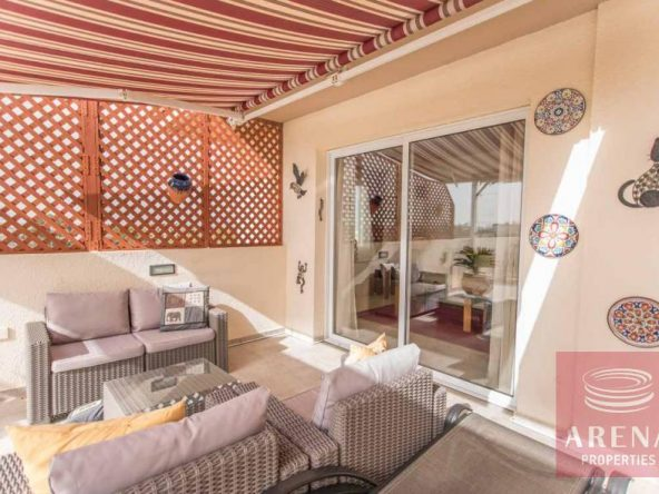 4-luxury-apartmetn-for-sale-in-paralimni-veranda
