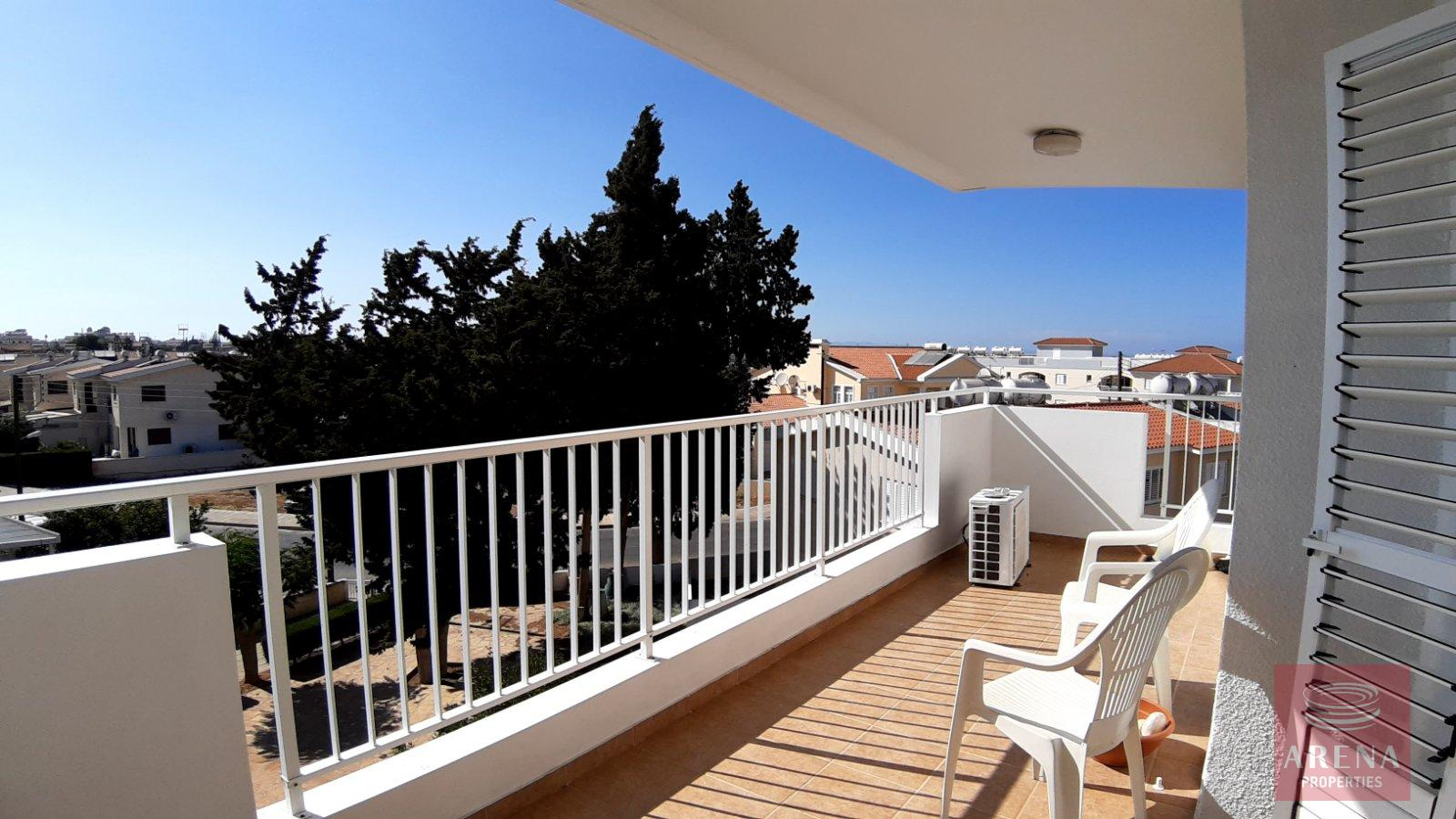 Apt for rent in Paralimni - balcony