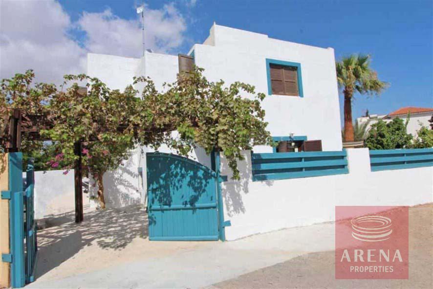 villa for rent in ayia triada
