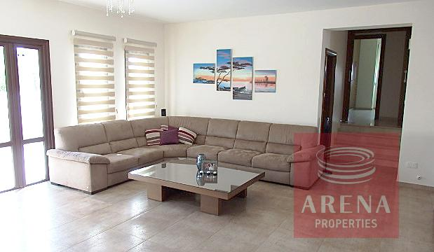 Bungalow for sale in Troulloi - sitting area