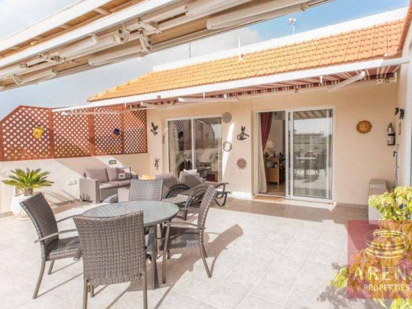 5-luxury-apartmetn-for-sale-in-paralimni-veranda