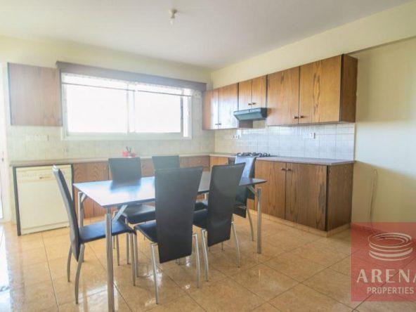 6-2-bed-apt-for-rent-Derynia-5557