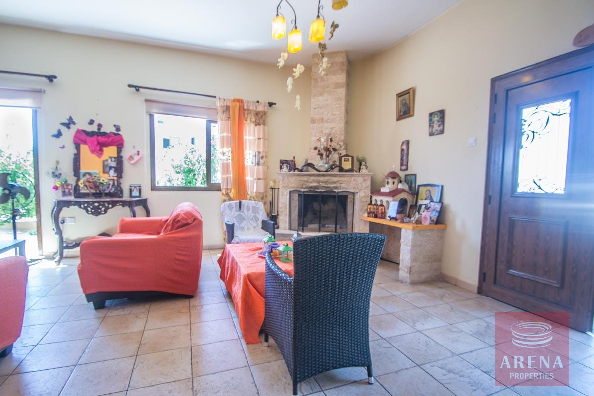 Bungalow for sale in Paralimni - living area