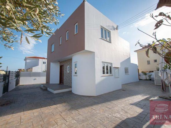 6-HOUSE-FOR-SALE-paralimni-4252