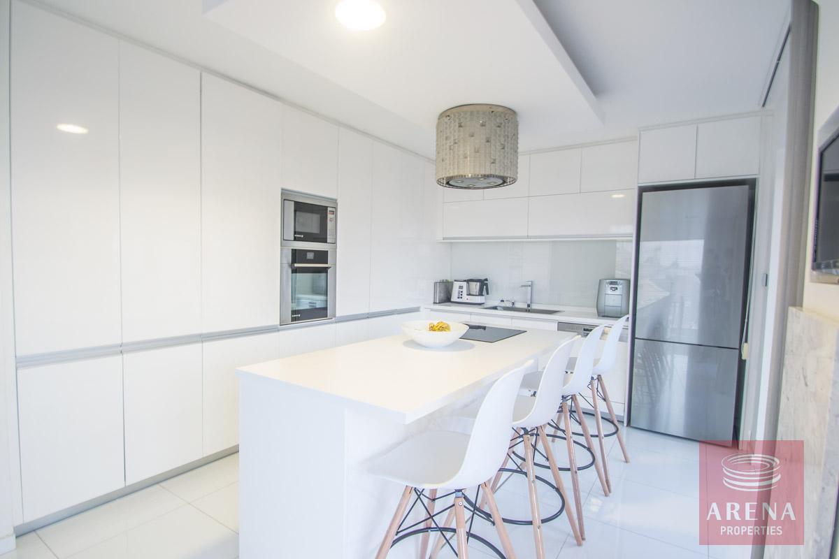 Modern Apartment in Paralimni - kitchen