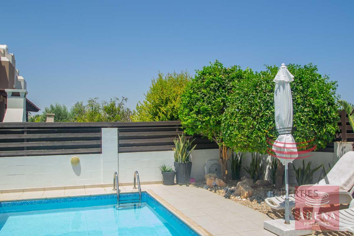 2 Bed Villa in Pernera - pool area