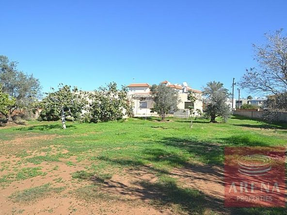 7-bungalow-for-sale-in-derynia-2807