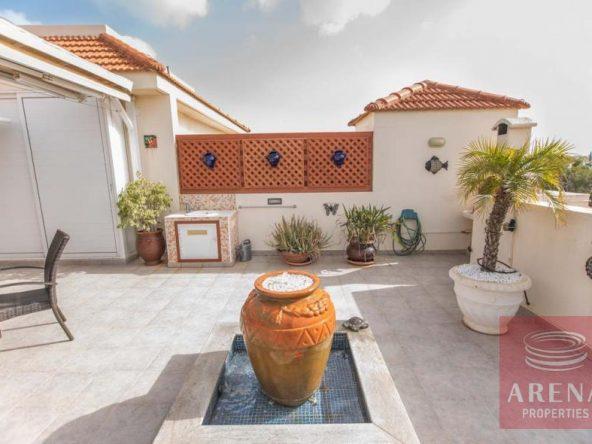 7-luxury-apartmetn-for-sale-in-paralimni-veranda