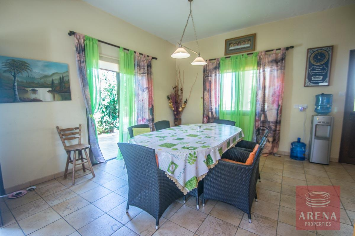 Bungalow for sale in Paralimni - dining area