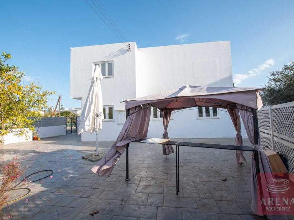 8-HOUSE-FOR-SALE-paralimni-4252