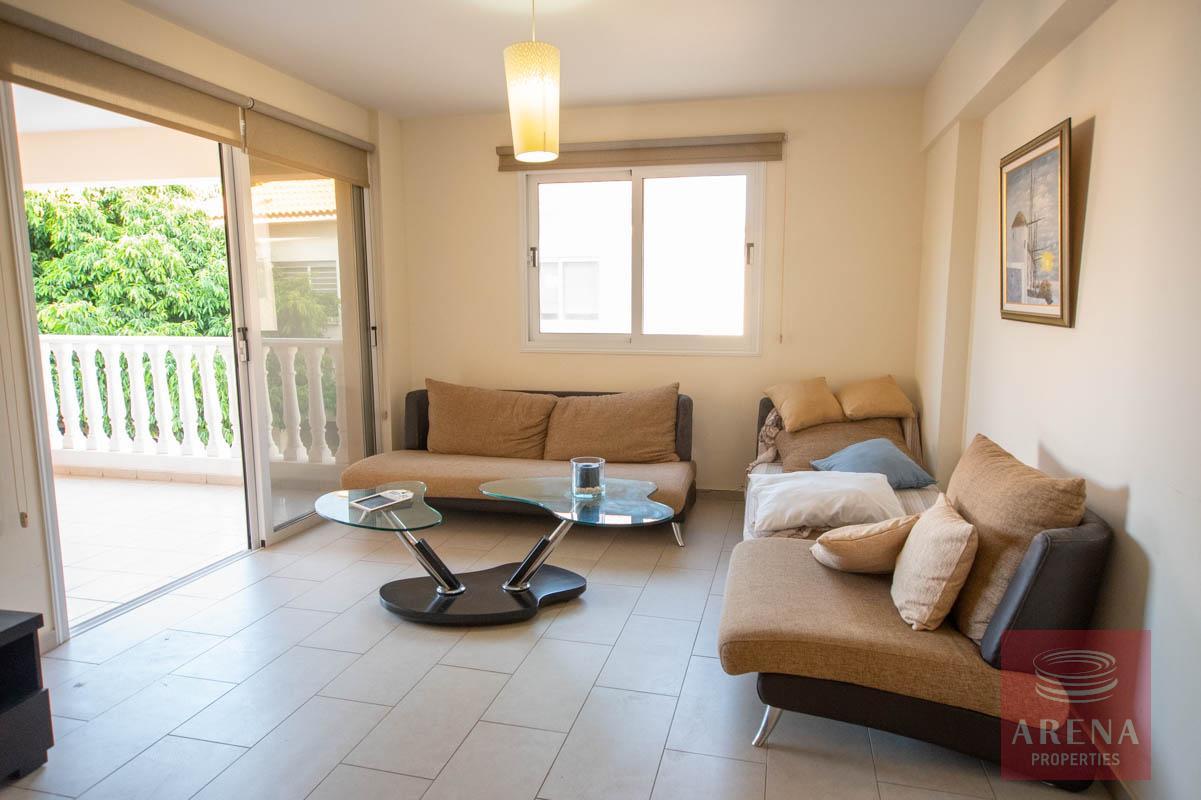 Apartment for rent in Kapparis - living area