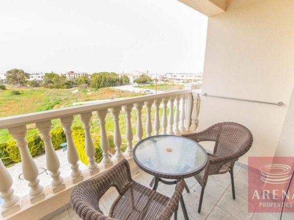 8-luxury-apartmetn-for-sale-in-paralimni-balcony