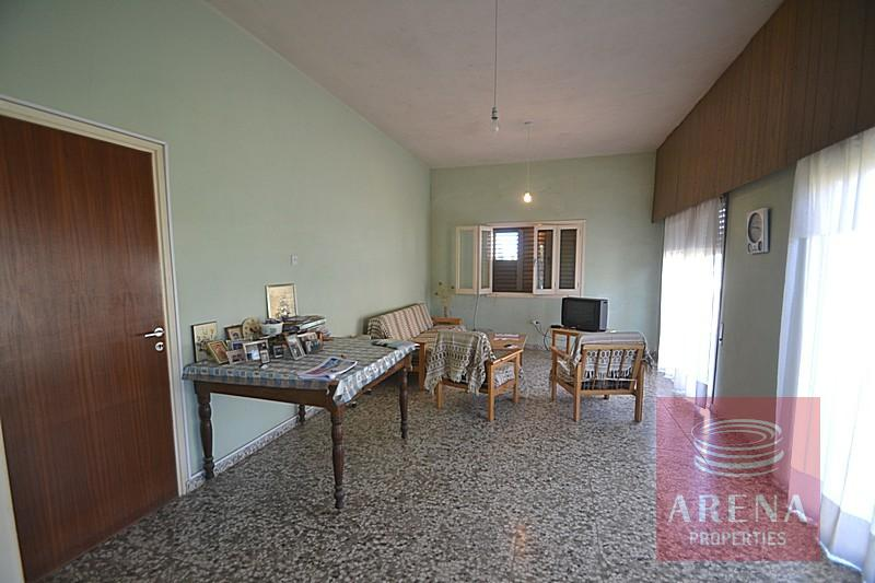 Bungalow for sale in Derynia - living area