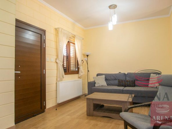 9-2-bed-house-in-liopetri-5733
