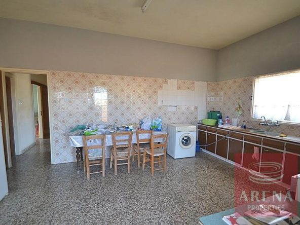 9-bungalow-for-sale-in-derynia-2807