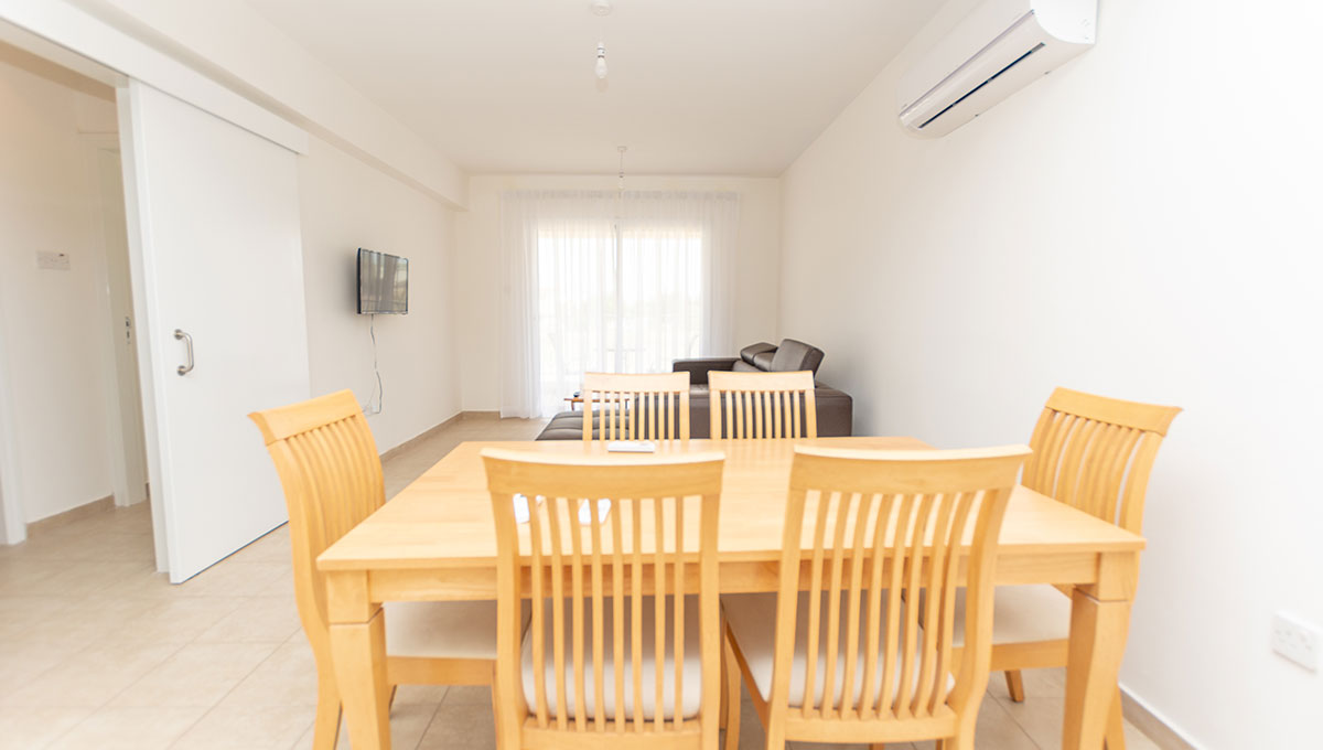 Flat in Paralimni for sale - dining