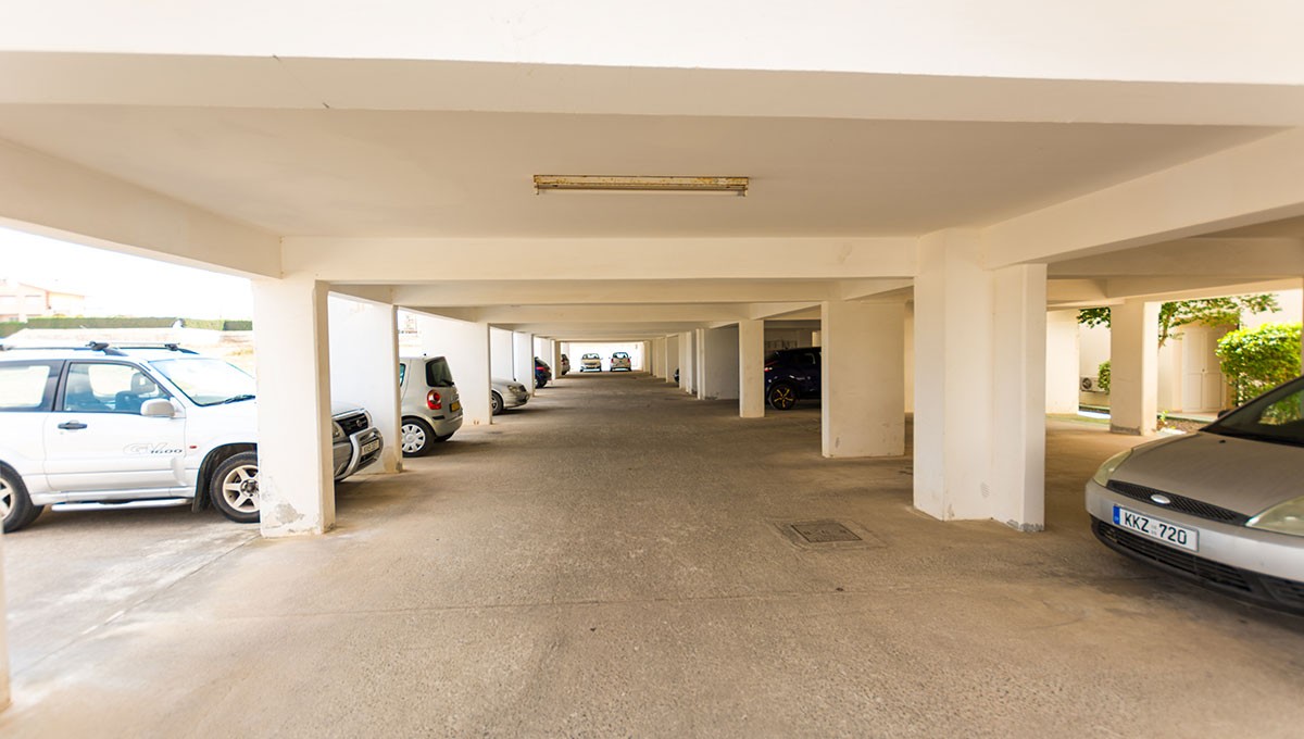 Flat in Paralimni to buy - covered parking