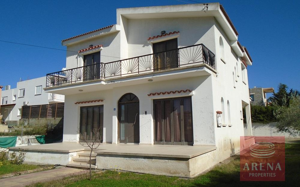 3 bed house in Pyrga