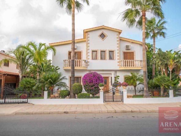 1-Villa-in-Paralimni-for-sale-5073