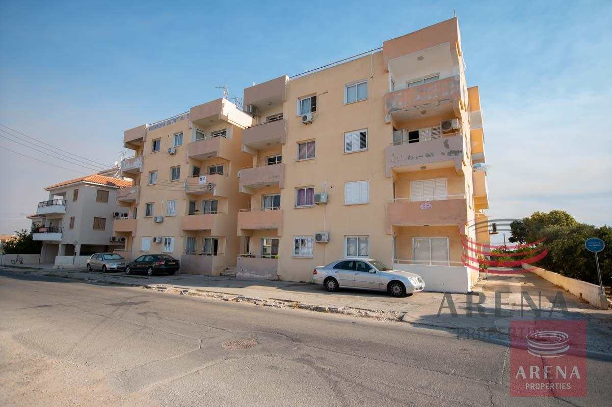 Flat in Paralimni for sale