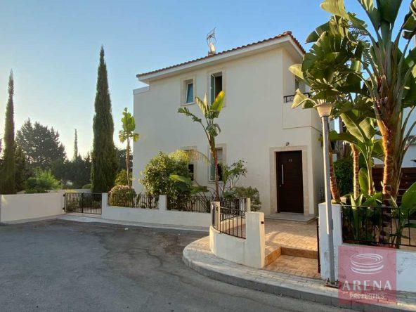 1-villa-with-deeds-in-pernera-5742