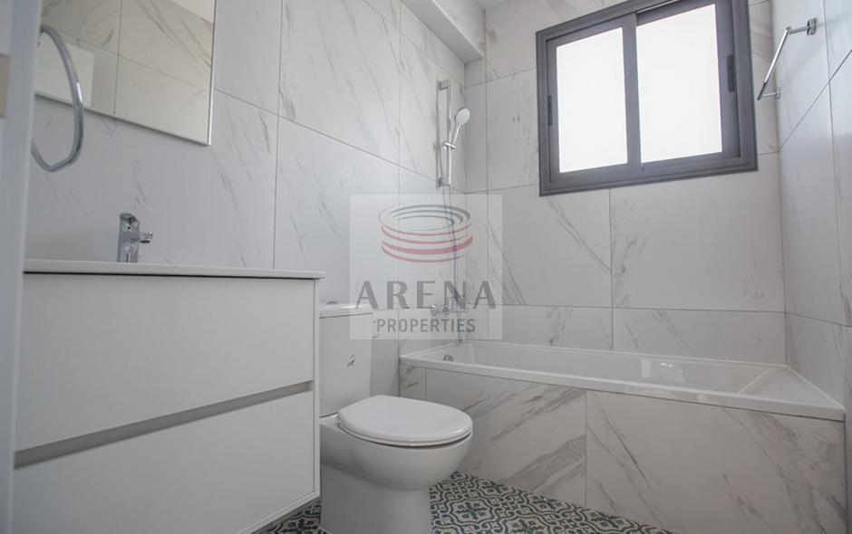2 bed det villa in kapparis - bathroom